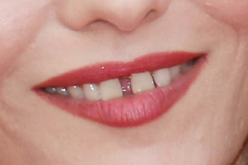 Perfect Imperfections between the two front teeth-vanessa-paradis